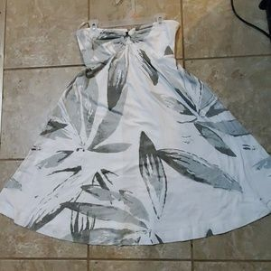 Juniors size M strapless dress